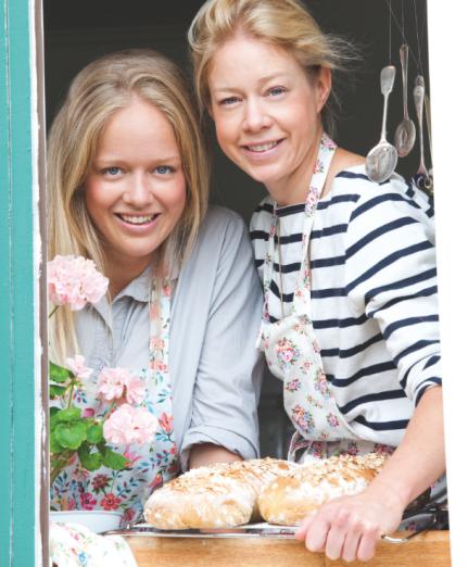"""Vår pressbild för """"Sommar med systrarna von Sydow"""". Foto: Thomas Yeh"""